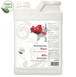 Diamex Shampooing Bio-Technik doux 2l. Shampooing pour chien. Au miel et à l'extrait d'orange douce. 100% végétal.